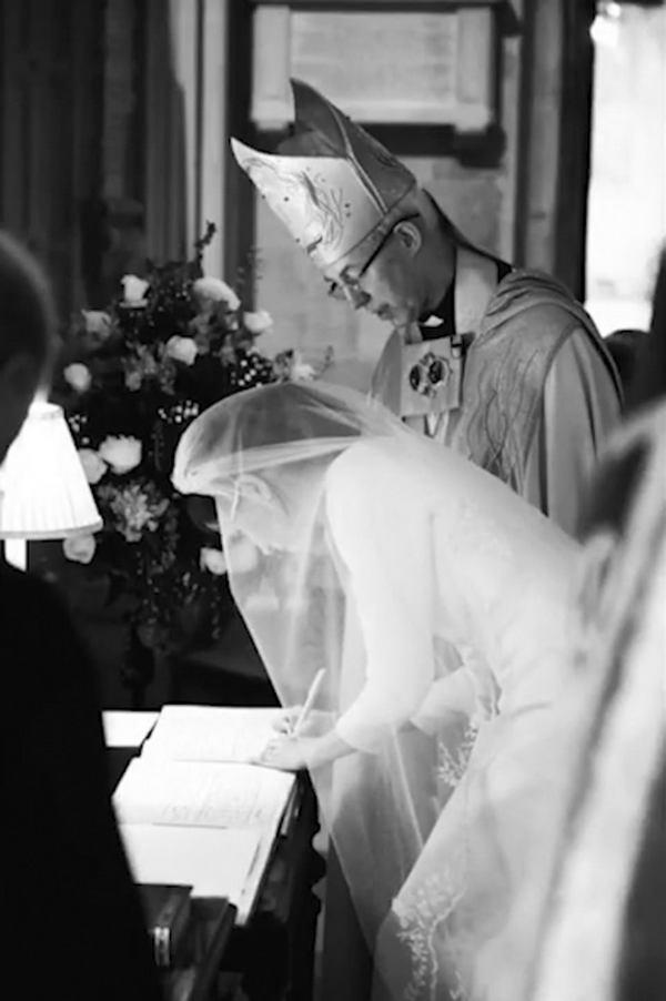 жених смотрит как ебут невесту