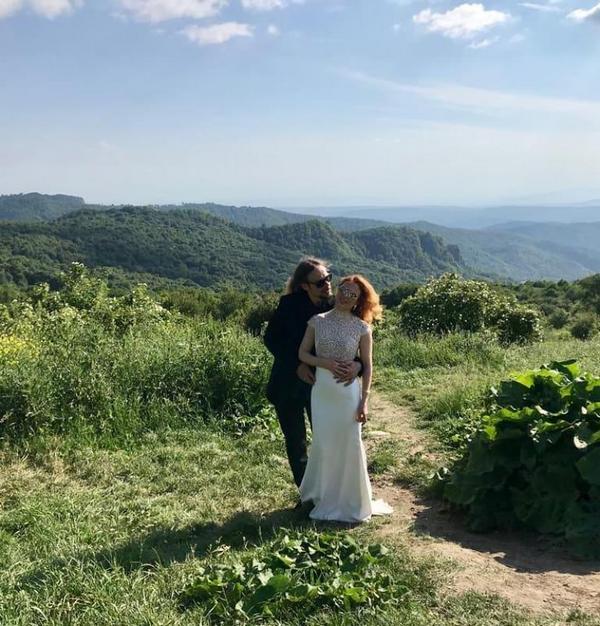 Музыкант из«Океана Эльзы» женился вГрузии. позвав очевидцем Вакарчука