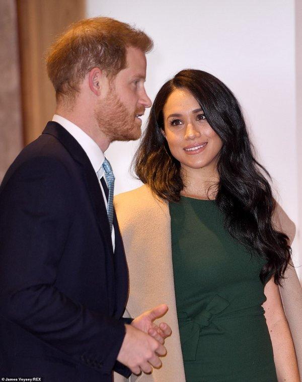 Принц Гарри растрогал слезами на сцене. Фото