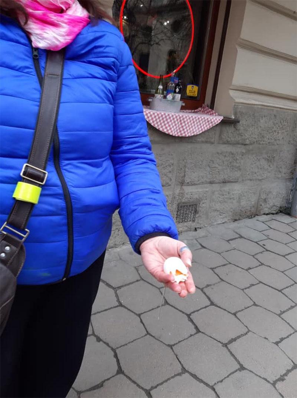 У Львові закидали яйцями активісток, які виступають за права жінок