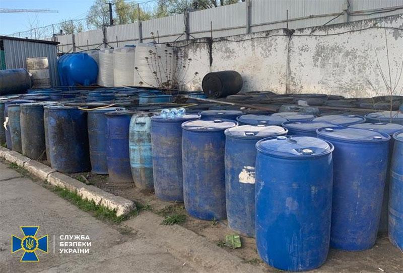 В Україні припинили масштабне виробництво алкоголю, гроші від продажу якого йшли бойовикам на Донбас