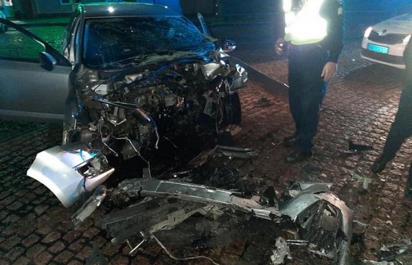 Чи не була пристебнута: у страшній аварії в Мукачево загинула молода дівчина