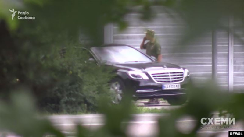 У Зеленского признали, что он временно переехал жить на госдачу