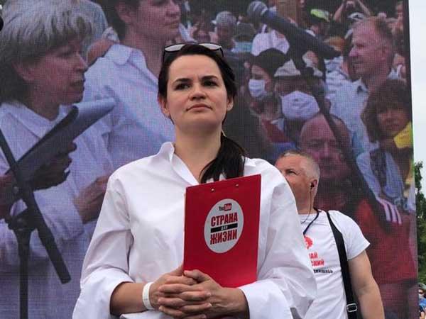 """""""Власть испугалась правды"""": предвыборный митинг в Минске собрал тысячи людей"""