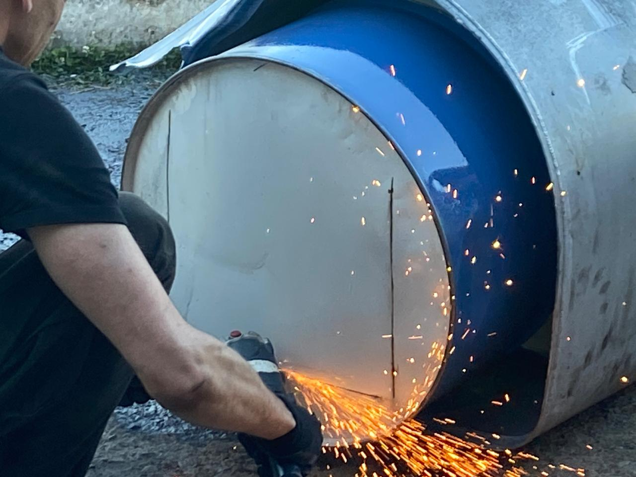 Контрабандисты пытались переправить в Румынию более 300 килограммов янтаря в бензобаках грузовика