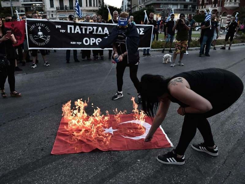 Обстановка накалена до предела: Турция и Греция оказались на пороге военного конфликта